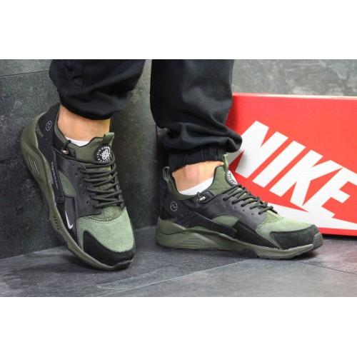 Nike Huarache dark green