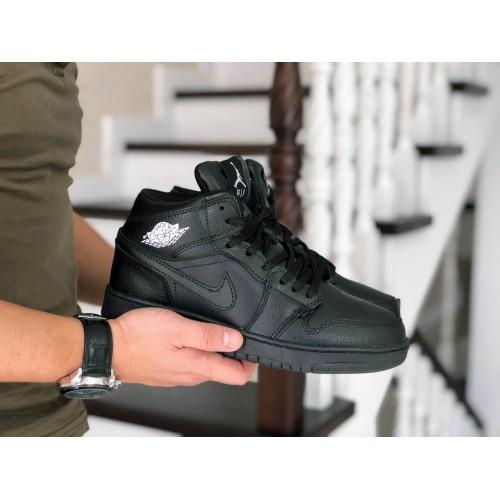 Кроссовки Air Jordan 1 Retro черные