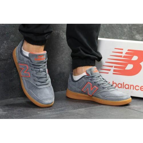 New Balance серые