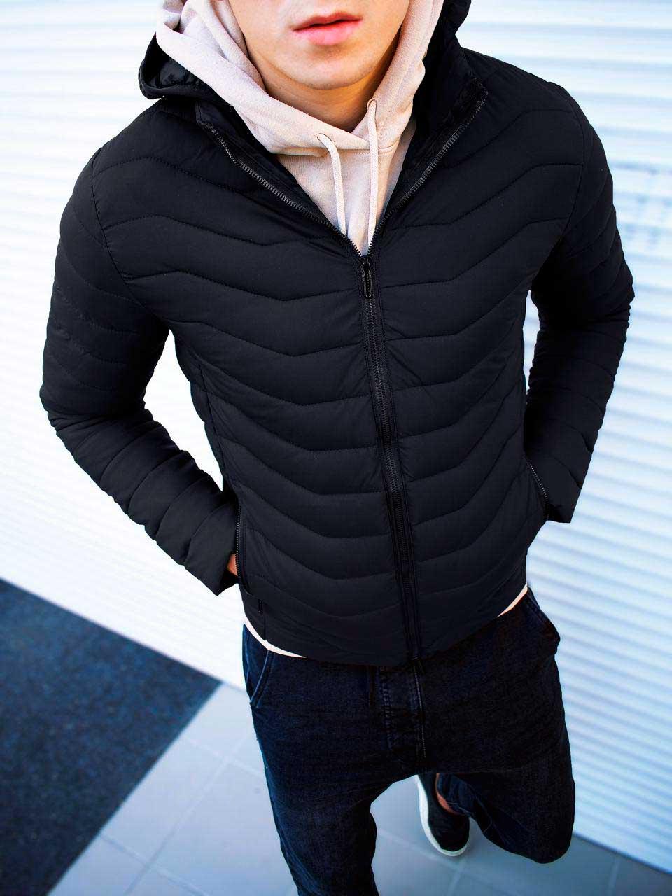 Осенняя Куртка с капюшоном черная