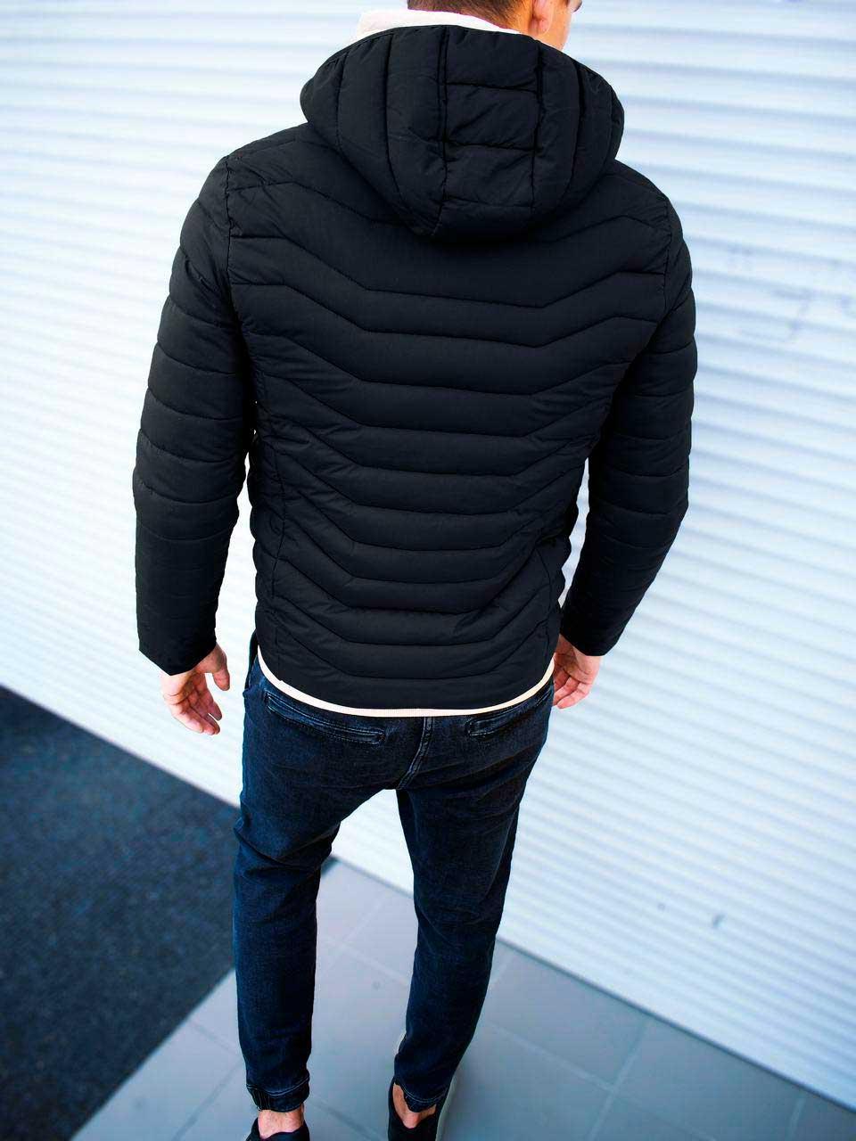 Мужская куртка с капюшоном черная