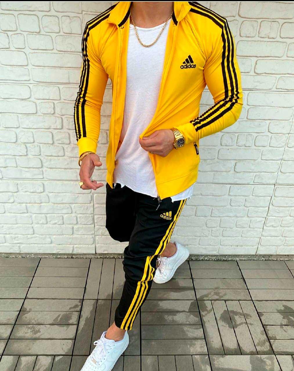 спортивный костюм адидас желтый