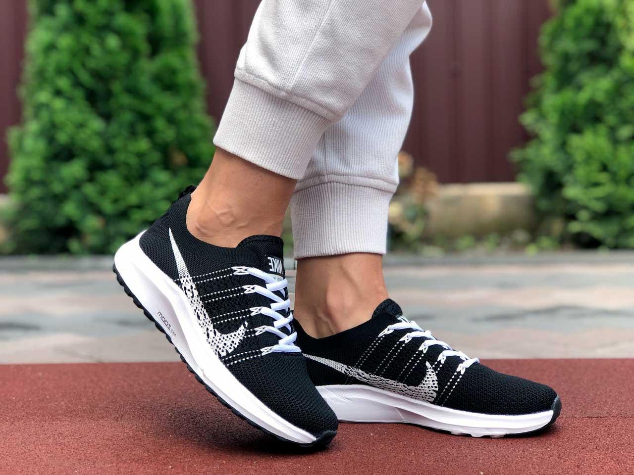 Купить кроссовки Nike Zoom черные с белым